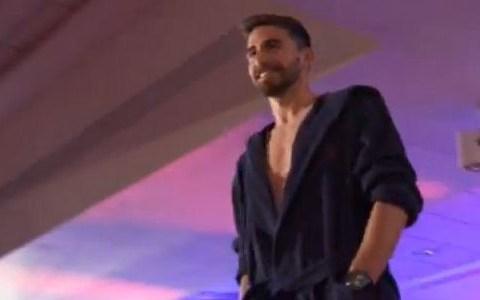 Sunderland striker Fabio Borini turns dressing-gown model – video