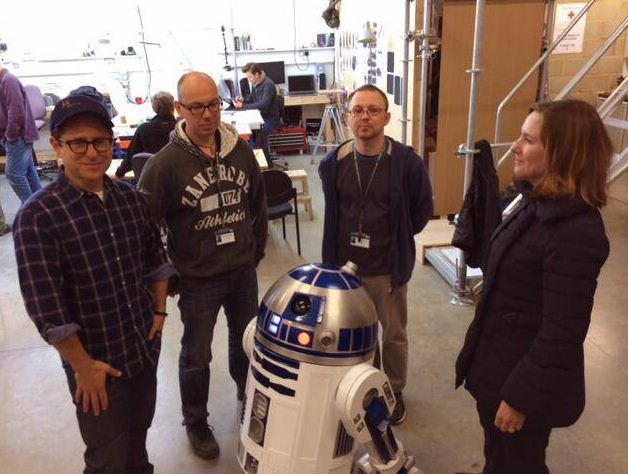 JJ Abrams poses alongside R2-D2 (Picture: Twitter/Bad Robot)