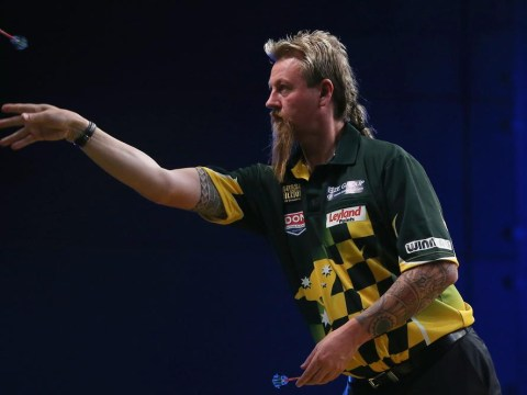 Simon Whitlock aiming to win his first world darts championship while Australia regain the Ashes