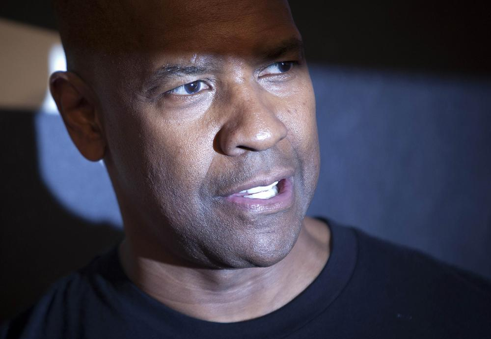 Denzel Washington is being considered to play Green Lantern in Batman vs Superman – apparently