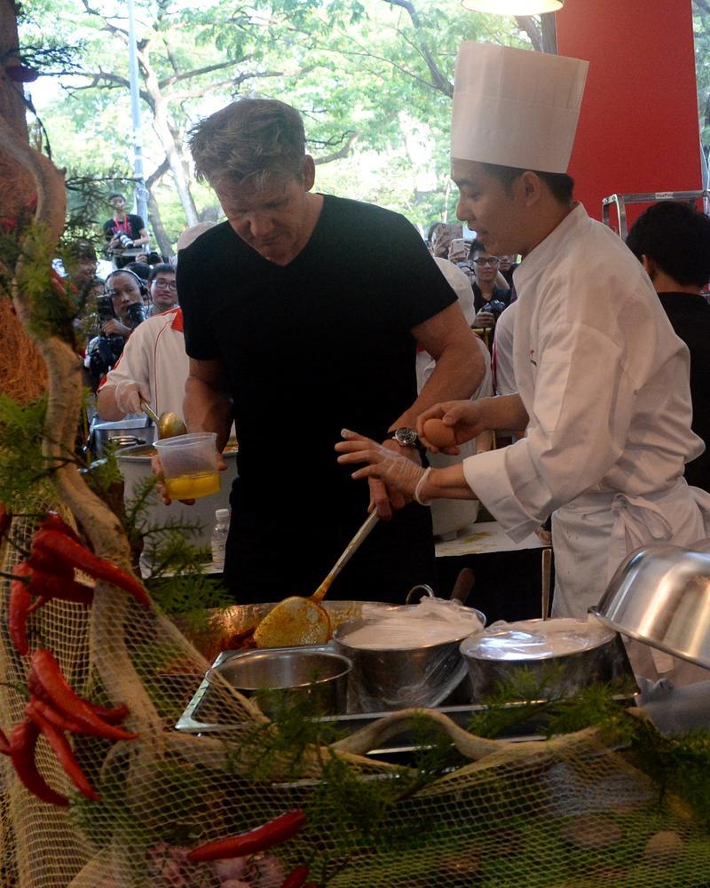 Gordon Ramsay rockets to top of diners' best restaurants