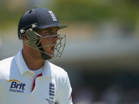 The Ashes 2013-14: Broad injury adds to England insult as Australia close in on crushing series victory