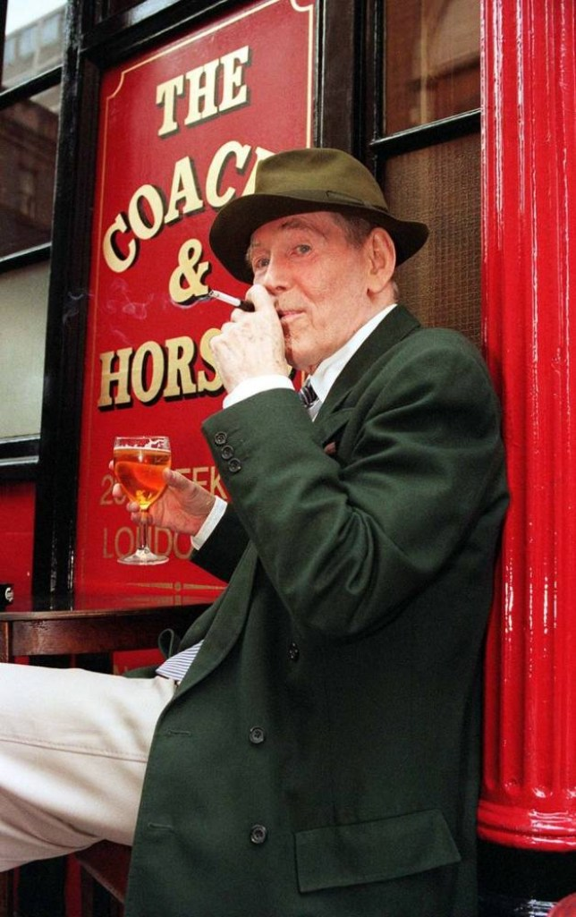 File photo dated 3/6/1999 of Peter O'Toole, outside the Coach and Horses pub in Soho, London, is making his return to the London stage in 'Jeffrey Bernard is Unwell'. The veteran actor, who shot to fame in the Oscar-winning epic Lawrence of Arabia, has died aged 81, his agent Steve Kenis said today. PRESS ASSOCIATION Photo. Issue date: Sunday December 15, 2013. See PA story DEATH OToole. Photo credit should read: John Stillwell/PA Wire