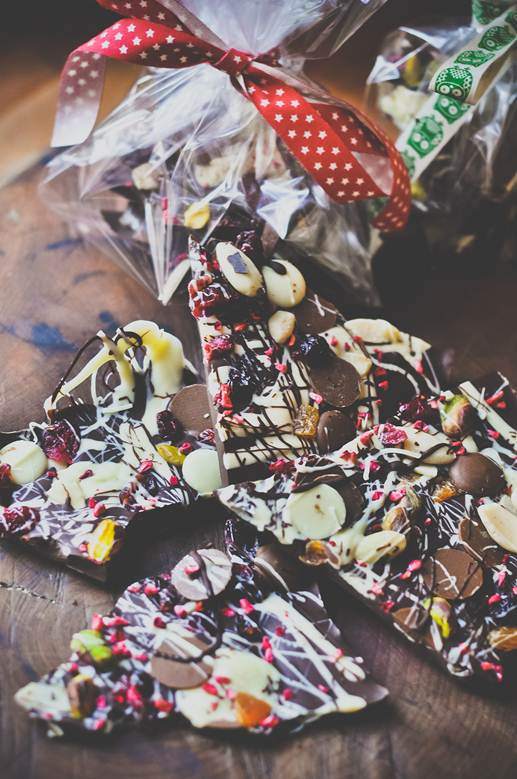 Easy edible Christmas gift recipe: Chocolate bark