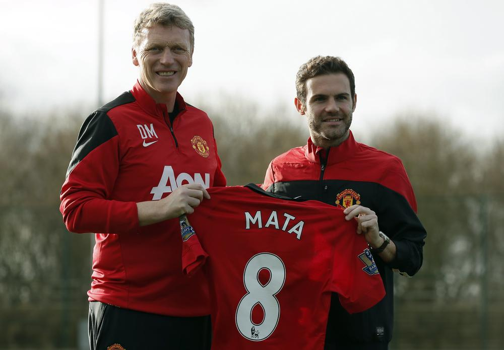 Manchester United and David Moyes set for massive transfer warchest as club begin talks on new kit deal