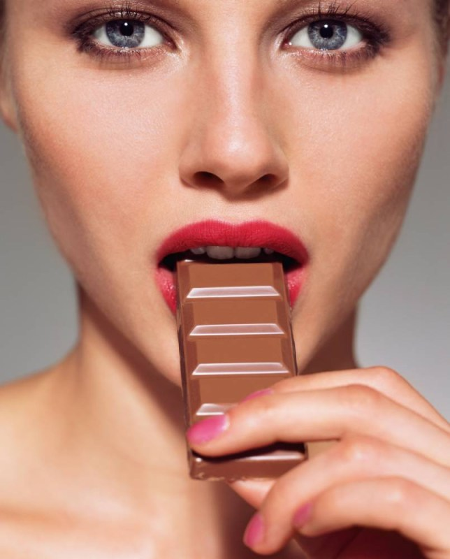 Flavanoids in red wine and chocolate may lower diabetes risk in women, say scientists from the University of East Anglia and King's College London