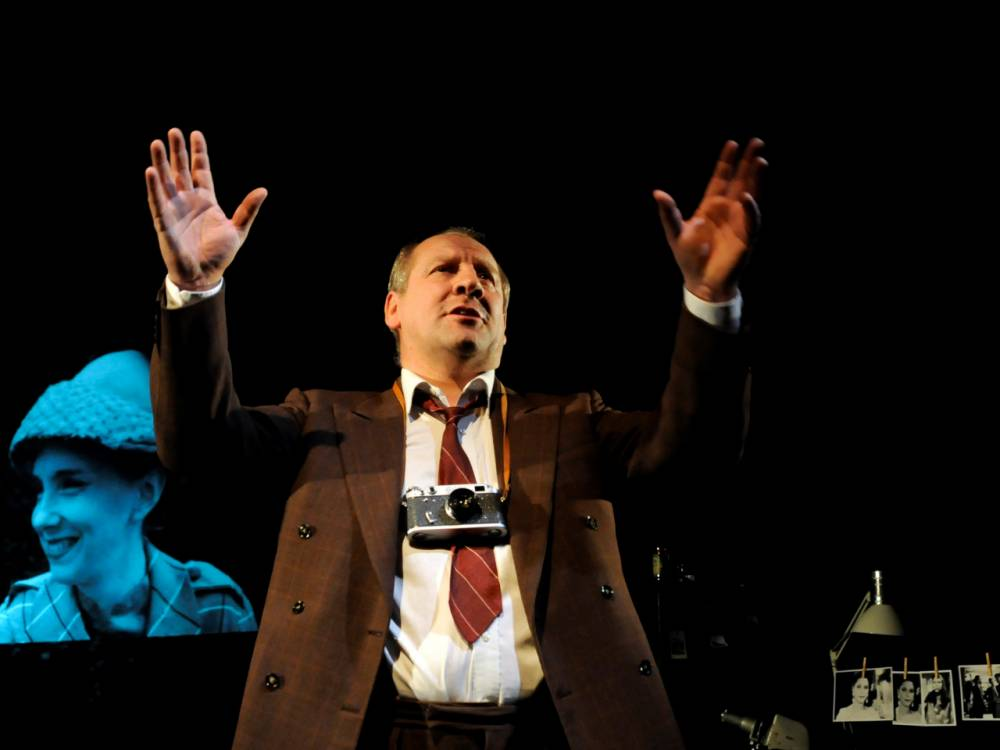 The involving Bloodshot at St James Theatre is a miniature tour-de-force