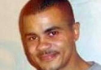Mark Duggan did throw gun away 'but killing was still lawful'