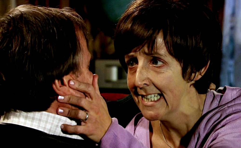 ITV Coronation StreetnTonight's episode features the suicide and goodbyes of Hayley Cropper.nPic showsLnRoy (David Neilson) and Hayley (Julie Hesmondhalgh) in Coronation Street in her final episode as she says goodbye to himnnnnnnnPic ITV supplied by Pixel 8000 Ltdn