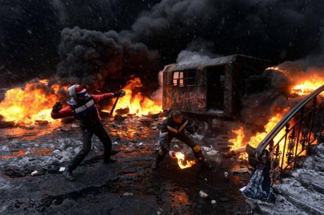 Ukraine protests: Kiev streets like 'vision of hell' after deaths