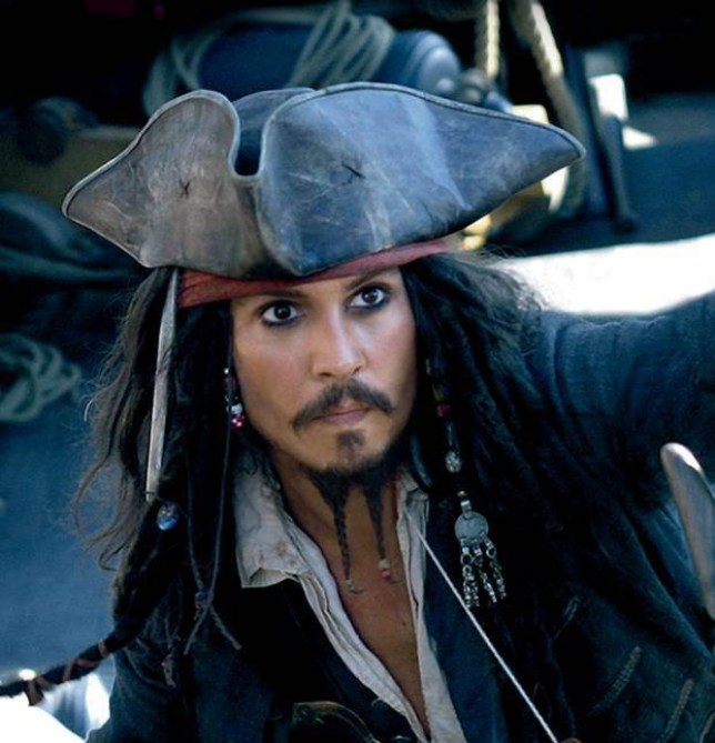 FILM. 'PIRATES OF THE CARIBBEAN: DEAD MAN'S CHEST.'   (2006) Pictured: Captain Jack Sparrow (JOHNNY DEPP) in a scene from the film.