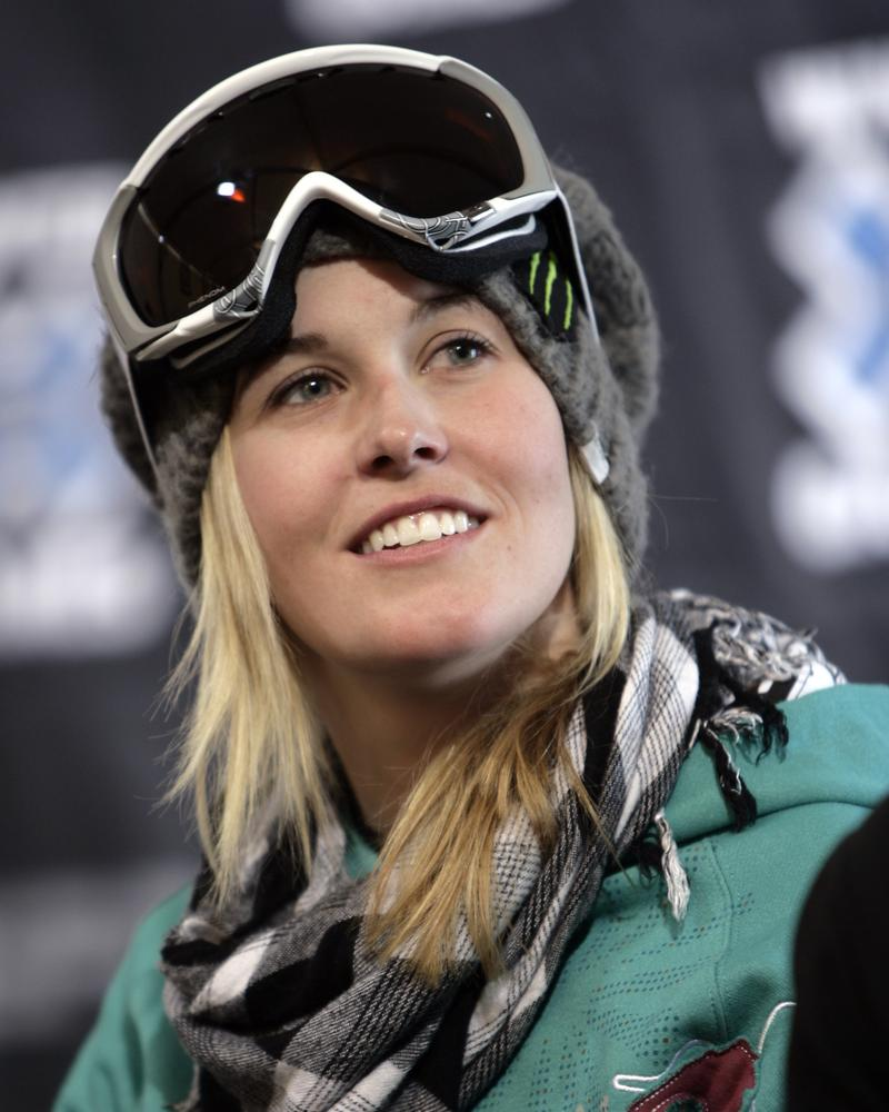 Sochi 2014 Winter Olympics: Tributes to dead skier Sarah Burke banned by IOC