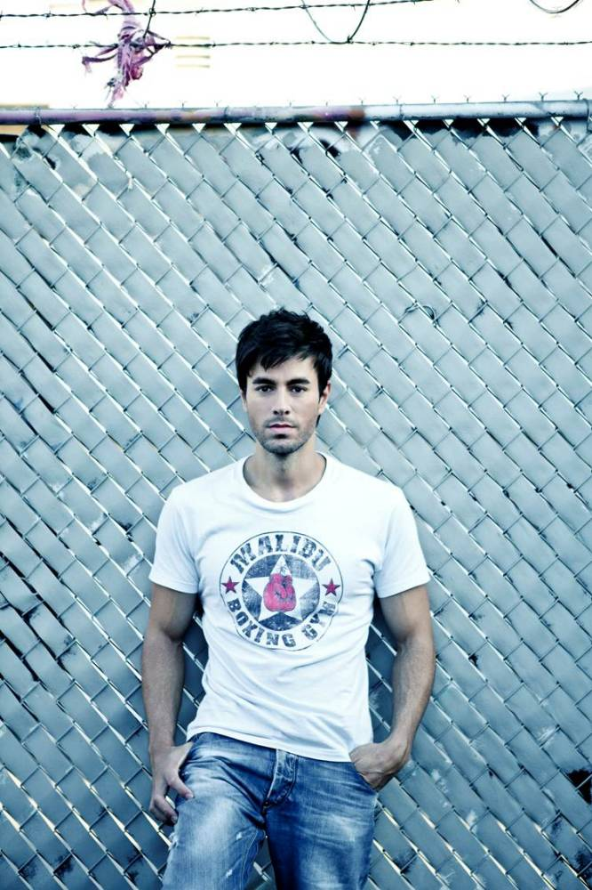 Enrique Iglesias: I dressed stalker in Anna Kournikova's clothes