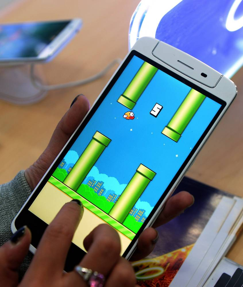 Angry Flappy Bird fans threaten to kill creator and themselves after game is taken down