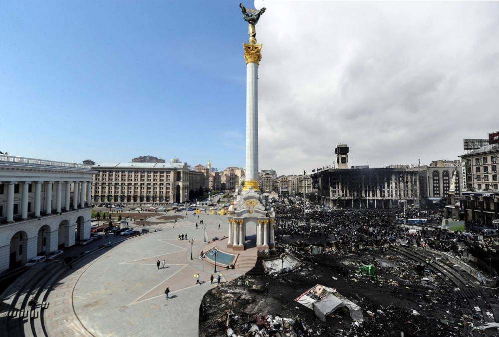 Ukraine protests: Before and after pictures capture devastation in Kiev's Independence Square