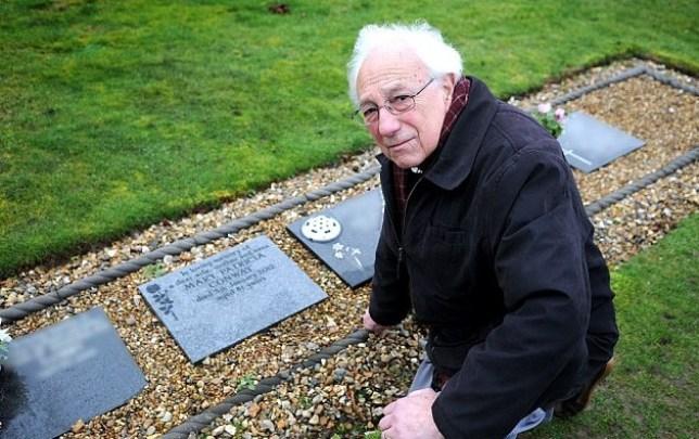 Martin Conway, grave
