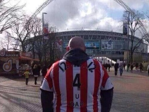 Newcastle fan wears Sunderland shirt to Capital One Cup Final in honour of his late father