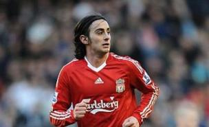 Alberto Aquilani's agent insists he has had no contact with Fiorentina about a move.