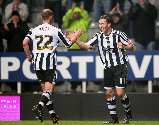 Newcastle United's Peter Lovenkrands (right) celebrates scoring his sides third goal of the game and his hat-trick with teammate Nicky Butt (left)