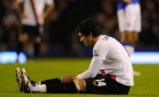 Santa Cruz sustained the injury at Everton