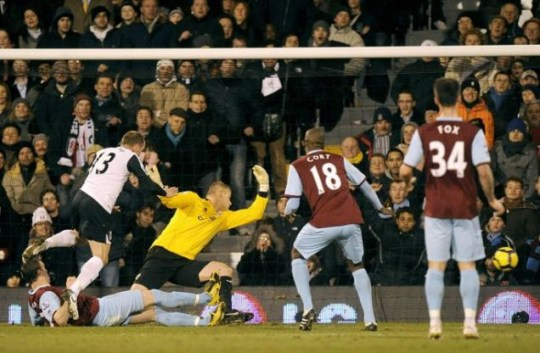 Danny Murphy opens the scoring for Fulham