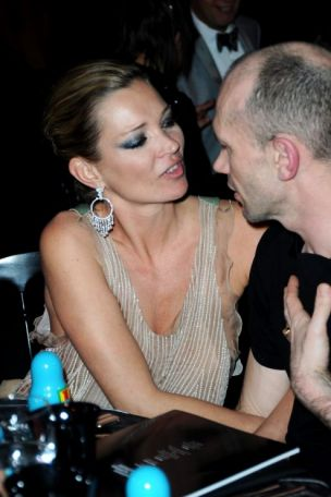 Kate Moss looks a wreck at charity function | Metro News