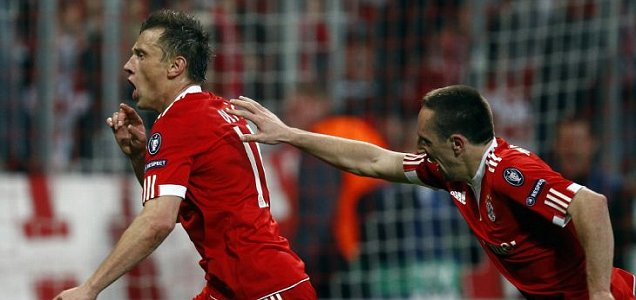 Bayern Munich's Ivica Olic (left) celebrates his goal with Franck Ribery, who earlier equalised against Manchester United