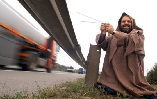 Druid Ilmar Tessmann tunes into the energy waves and apparently helps to reduce the number of fatalities at an accident blackspot