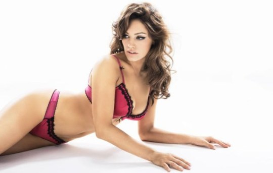 ea3c84549a Kelly Brook is the new face of Ultimo underwear for second time ...