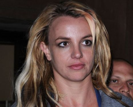 Britney Spears' bodyguard quits over 'naked sexual