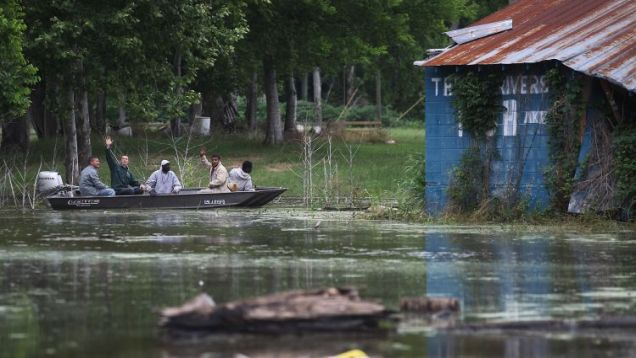 flooding Mississippi river floodgates open New Orleans