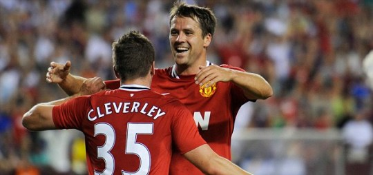 Manchester United's Tom Cleverley and Michael Owen