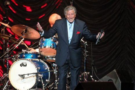 Tony Bennett tops US album chart with Duets II