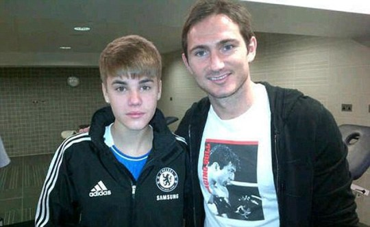 JUSTIN BIEBER IN A CHELSEA TRACKSUIT WITH FOOTBALL STAR FRANK LAMPARD