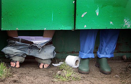 Here's why there's going to be at least one 'see-through toilet' at Glastonbury 2015