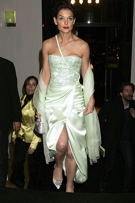 Katie Holmes ready to dance