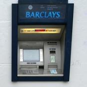 Barclays has apologised after technical problems hit hundreds of its cash machines