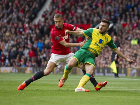 Cannon-fodder Norwich City roll over for Ryan Giggs and Manchester United