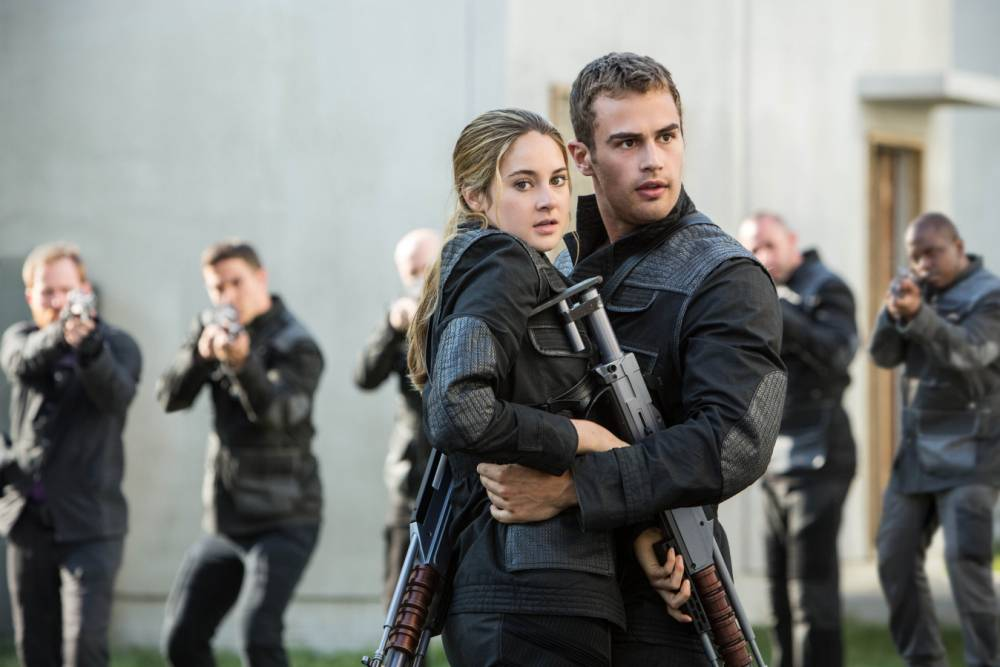 Theo James in Divergence with Shailene Woodley (Picture: Jaap Buitendijk/Summit Entertainment)
