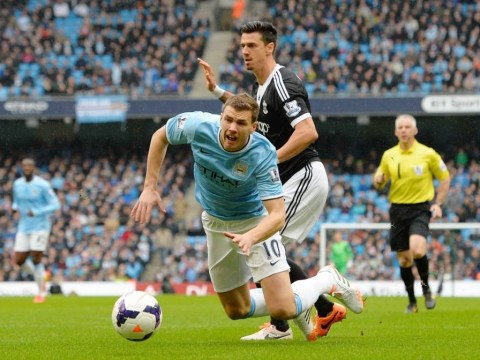Did Manchester City's Edin Dzeko dive to earn penalty over Southampton?