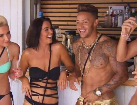 Vicky Pattison blasts Ex On The Beach flirt Ashley Cain: 'He's a bit of a d***'