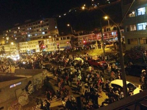 Chile earthquake: Five dead and tsunami alert issued after 8.2 quake