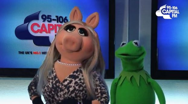 Kermit The Frog offends Miss Piggy as they cover One Direction's Little Things