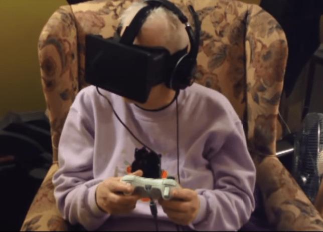 Roberta Firstenberg using the Oculus Rift headset