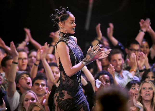 Rihanna does awesome 90s hair at the iHeartRadio Music Awards (Picture: Chris Pizzello/Invision/AP)