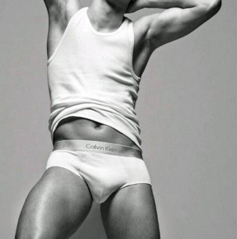 Oscar the latest star of  football to a pose for a range of Calvin Klein underwear.  He follows the Cristiano Ronaldo David Beckham, and Freddie Ljungberg into the fashionable world of modelling.