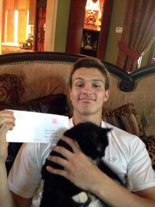 College Sends Recruitment Letter to Star Football Player's CatnA college in Texas came up with a clever strategy to get a high school football player to commit to them.nnJ.T. Granato, a senior and star quarterback at Kinkaid in Houston, had lots of colleges reaching out to him to commit to play for them after he graduates.