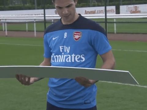 Arsenal stars Per Mertesacker, Lukas Podolski and Mikel Arteta give epic responses to Twitter jibes