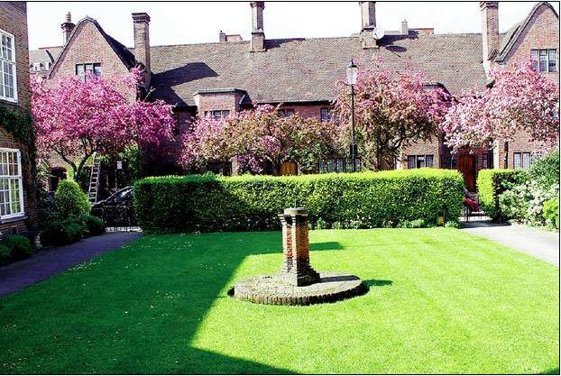 This garden in Chelsea cost £84,000 (yes, just the garden)
