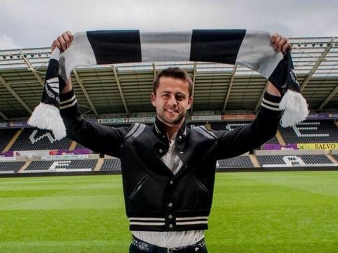 Swansea announce shock Lukasz Fabianski signing with Vine video